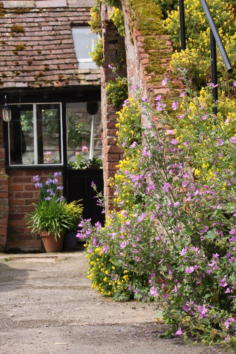 Bed and Breakfast Worcestershire - Porch